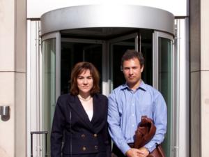 Siegten vor dem Arbeitsgericht: Mikhail Kachur mit Rechtsanwältin Dr. Christiane Yüksel Foto: Ulrich Coppel